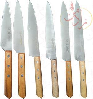 توضیح کارد: طیف گسترده ای از چاقو های حرفه ای برای رفع نیاز های بیشتر آشپزخانه های تجاری مورد نیاز است.