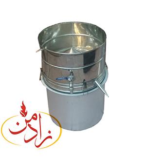 عرق گیر(گلاب گیر):دستگاه عرق گیر یا گلاب گیر برای تهیه عرق انواع گیاهان دارویی مورد استفاده است.